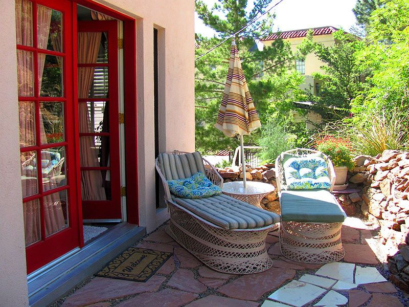Maid's Suite Back private outdoor patio