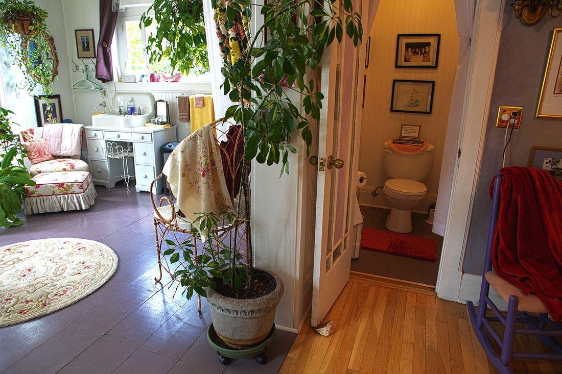Maid's Suite Back sink, vanity, and restroom