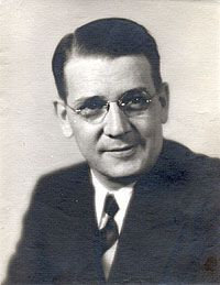 Dr. Arthur Carlson